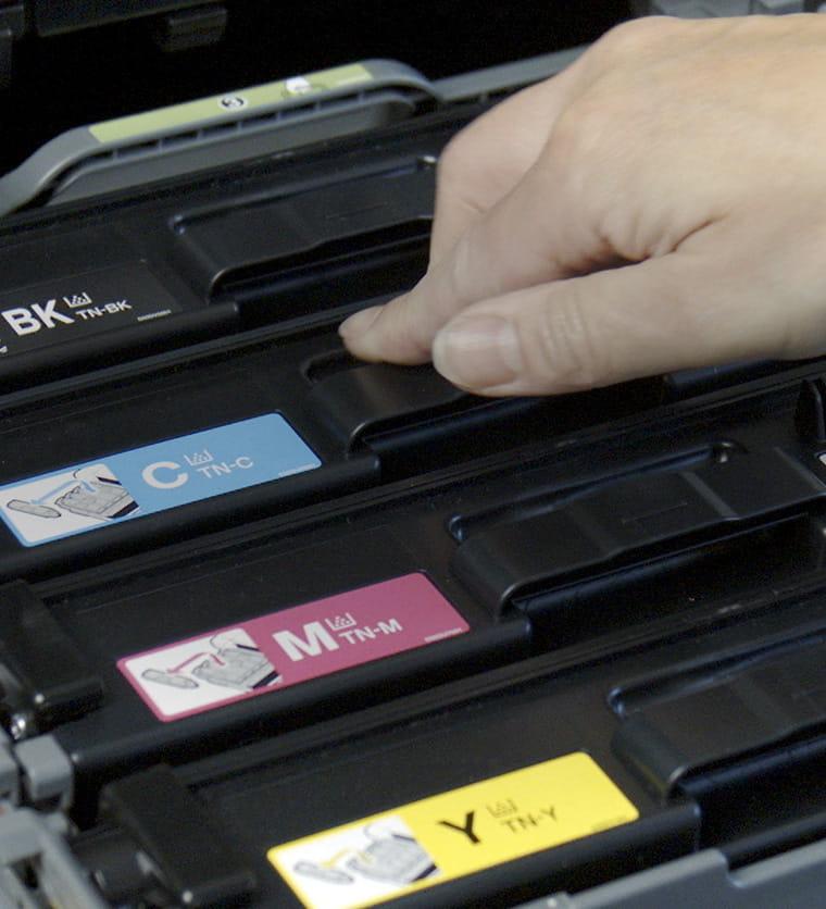Toner behelyezése nyomtatóba