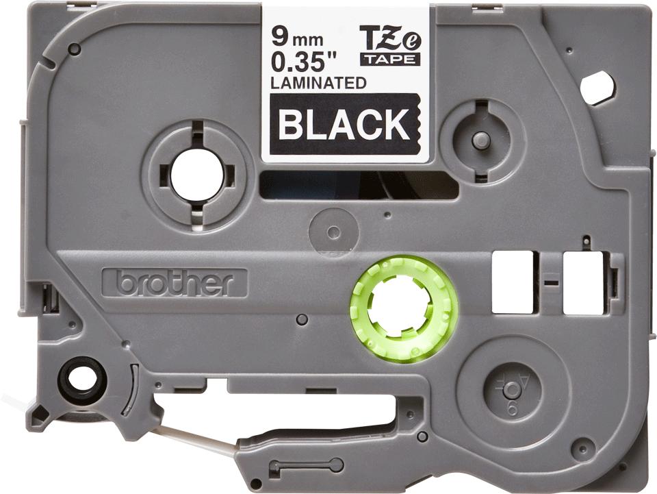 Eredeti Brother TZe-325 laminált szalag – Fekete alapon fehér, 9mm széles