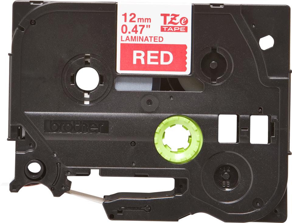 Eredeti Brother TZe-435 laminált szalag – Piros alapon fehér, 12mm széles