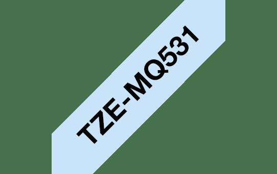 Eredeti Brother TZe-MQ531 szalagkazetta – Pasztellkék alapon fekete, 12mm széles 3