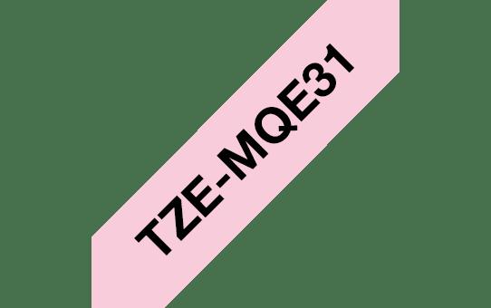 Eredeti Brother TZe-MQE31 szalag – Pasztell rózsaszín alapon fekete, 12 mm széles 3